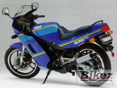 Японская ява 350 - Yamaha RD350 двигатель (1988, 63лс)